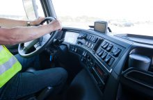 Sulaikytas beteisis traktorininkas įpūtė kone 3 promiles