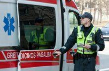 Sulaikomas įtariamasis policininkams grasino peiliu