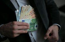 Už bandymą papirkti mokesčių inspekcijos darbuotoją – tik bauda