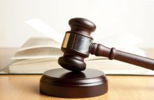 Buvusi Šiaulių tarybos narė ir medikė teismo nesugraudino – lieka nuteistos