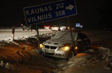 Pirmadienio chaosas keliuose: beveik 120 avarijų, nukentėjo 24 žmonės