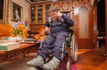 Pagalba neįgaliam kauniečiui primena patyčias?