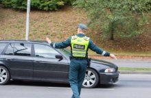 Pavojingas manevras kelių gaideliui su BMW gali kainuoti brangiai