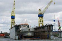 Tragedija laivų gamykloje: lūžus kranui žuvo du žmonės