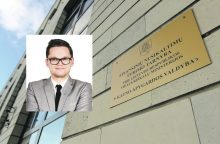 Nuo bausmės atleistas Kauno brokeris nepasimokė?