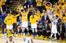 """""""Golden State Warriors"""" Vakarų konferencijos finale iškovojo antrą pergalę"""