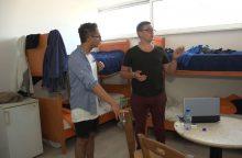 Emigrantą Kipre darbdavys apgyvendino požeminėje aikštelėje