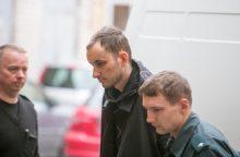 Šeimos išžudymu įtariamas E. Anupraitis savo kaltės nepripažįsta