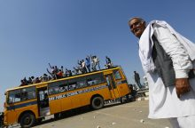 Indijoje per mokyklos autobuso ir sunkvežimio avariją žuvo 24 vaikai