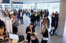 KTU studentiją papildys daugiau šimtukininkų?