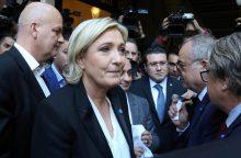 M. Le Pen nesusitiko su Libano muftijumi, nes atsisakė ryšėti skarą