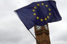 Britanija nori kuo greičiau susitarti su ES dėl imigrantų statuso