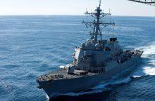 Prie Singapūro susidūrus JAV minininkui ir tanklaiviui dingo 10 jūreivių