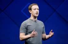 """""""Facebook"""" duomenų skandalas: M. Zuckerbergas žada imtis priemonių"""