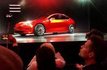 """Atskleista didžiausia """"Tesla Model 3"""" problema"""