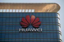 """Nepaisant Vakarų nerimo, """"Huawei"""" gina pasaulines ambicijas"""