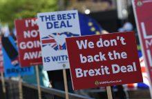 """Britanijos parlamentas nubalsavo už savo didesnį vaidmenį """"Brexit"""" procese"""