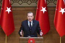 R. T. Erdoganas gąsdina: tuoj joks europietis negalės saugiai žengti į gatvę