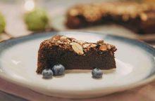 Šokoladinis pyragas be miltų, kurį iškeptų net devynmetis