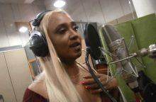 Berneen: iš dainavimo Katare uždirbu daugiau nei Lietuvoje