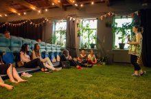 """""""Kino piknike""""  – mylimiausi sezono filmai ant pievelės"""