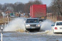 Kelyje Šilutė–Rusnė vanduo pakilo iki 14 centimetrų
