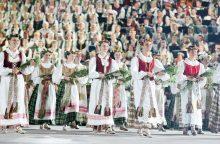 Žurnalistė R. Statkuvienė: tautinių kostiumų dalijimas suprimityvintų jų esmę