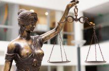Buvusi prokurorė dėl korupcijos pripažinta kalta, bet už grotų nesės