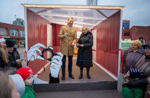 """Kalėdos atkeliauja į bendruomenes – Šeškinėje duris atvėrė """"Iliuzijų kambarys"""""""