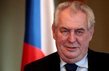 Čekijos lyderio kompiuterį programišiai užteršė vaikų pornografija