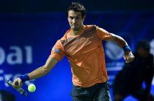 Šokas: antrojo šimtuko tenisininkas iš Rusijos įveikė R. Federerį