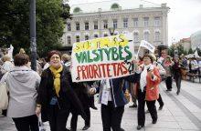ŠMM: streikuojantys mokytojai savo padėtimi nesiskundžia