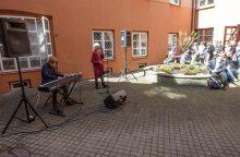 Balandžio 30-oji Lietuvoje ir pasaulyje