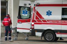 Trakų rajone susidūręs su vilkiku nukentėjo automobilio vairuotojas