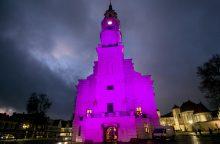 Neišnešiotų naujagimių dieną Kaunas nušvito purpurine spalva