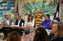 M. Trump apsilankė vaikų imigrantų sulaikymo centre