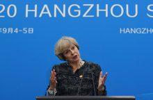 Britanijos premjerė prašo parlamento pritarti išstojimo iš ES grafikui