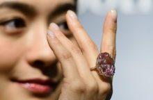 Už didžiausią rausvąjį deimantą – rekordinė suma?