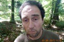 Šveicarijoje suimtas motoriniu pjūklu žmones užpuolęs vyras