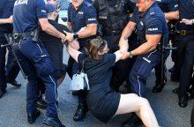 Varšuvoje policija išvaikė demonstrantus