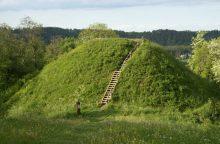 Pyplių piliakalnį kasinėję archeologai aptiko įdomių radinių