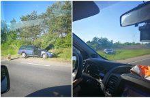 """Alytaus rajone – girto vairuotojo sukelta BMW ir """"Volkswagen"""" avarija"""