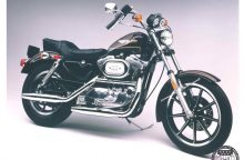 "Motociklui ""Harley-Davidson Sportster"" sukanka 60 metų"