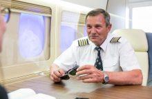 Į pensiją išėjusio piloto garbei – triumfo arka