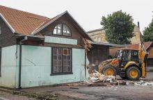 Kaunas toliau tvarkosi: griaunami nelegalūs pastatai senamiestyje