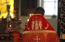Ukrainos ortodoksų lyderis pirmojoje liturgijoje paragino šalį vienytis