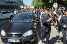 Kauno abiturientai švenčia: pagaliau laisvė!