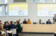 Žmogaus teisių dieną Kauno mokiniai paminėjo protmūšyje