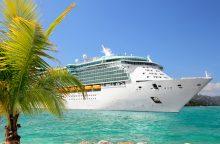 Kruiziniam laivui teko grįžti į uostą dėl muštynių prie tualeto